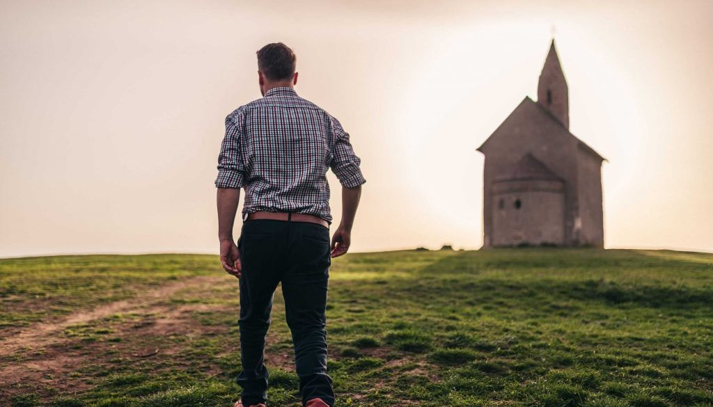 How to enjoy a living relationship with God?